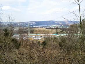 Photo: Der Rastplatz Funckenhausen an der BAB 1 mit dem Harkortsee im Hintergrund.