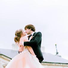 Wedding photographer Sasha Dubik (LesyaDubik). Photo of 11.12.2017