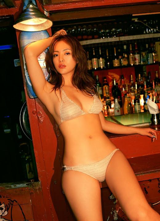 Mayuko Iwasa Sexy Picture