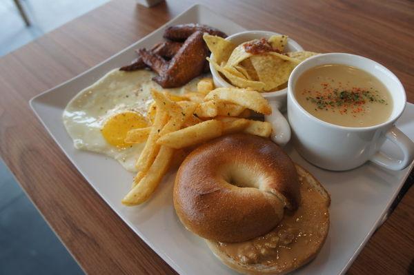 『小盤子』早午晚餐˙新址