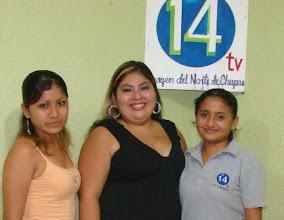 Photo: Las chicas de producción