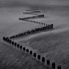 Zig-zag by David Feuerhelm - Black & White Landscapes ( caistor, patterns, long exposure, black and white, landscape )