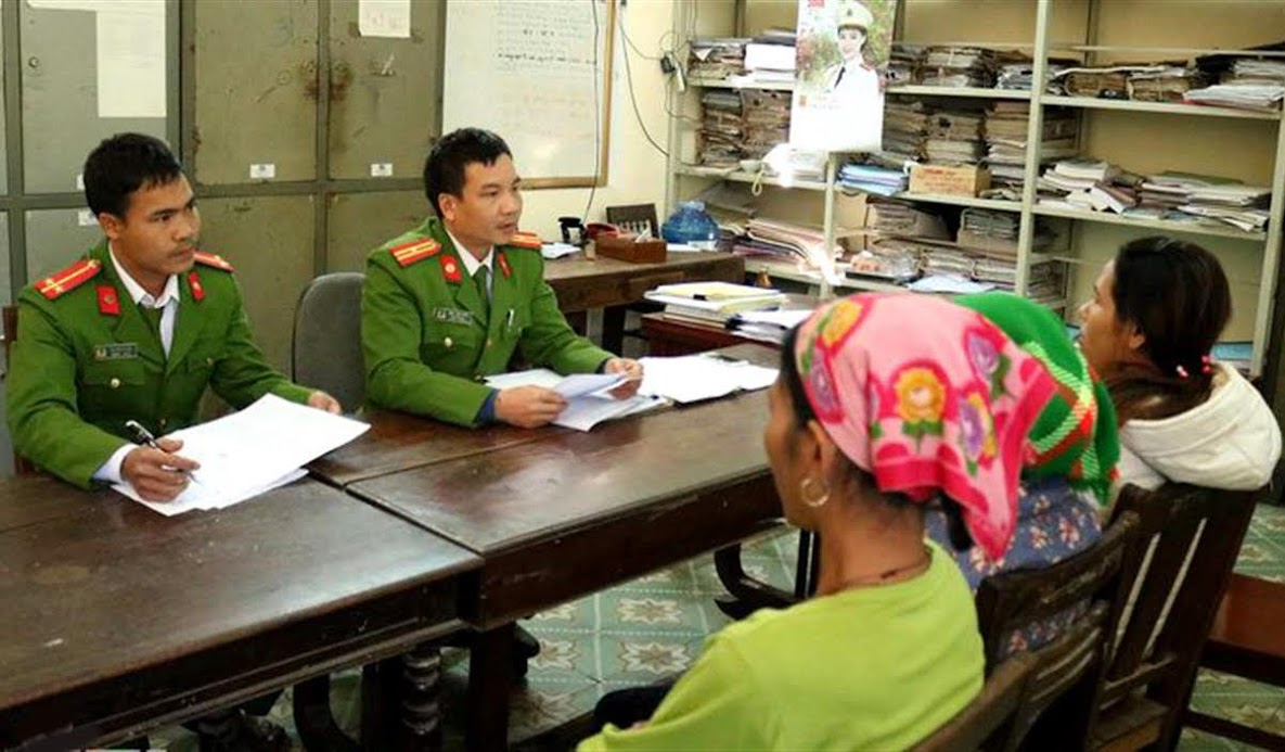 Công an huyện Kỳ Sơn đấu tranh với tội phạm mua bán bào thai qua biên giới