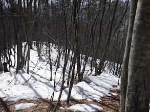 斜面下から再び雪が