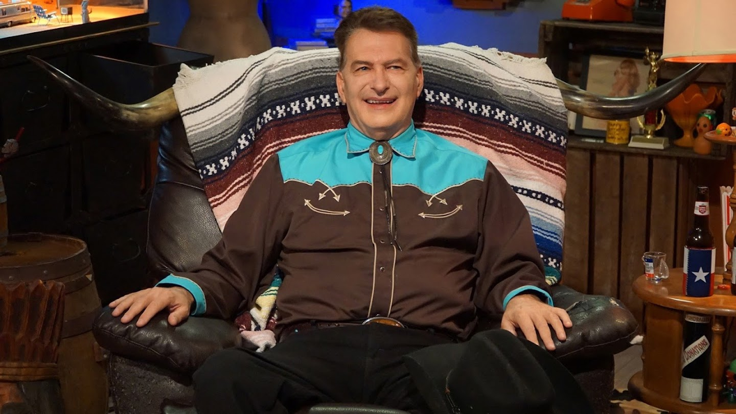 Watch The Last Drive-In With Joe Bob Briggs live