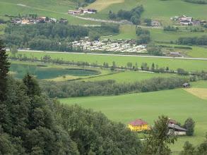 Photo: Blick vom Gasteiner Höhenweg auf Badesee und Campingplatz