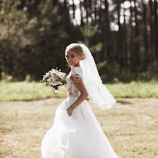 Wedding photographer Kristina Grechikhina (kristiphoto32). Photo of 27.08.2018