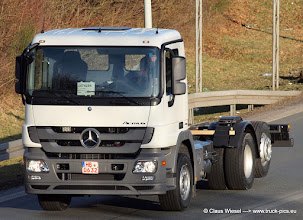 Photo: Ein neuer Actros  ----->   just take a look and enjoy www.truck-pics.eu
