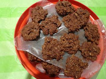 Easy Chocolate Oatmeal No Bake Cookies