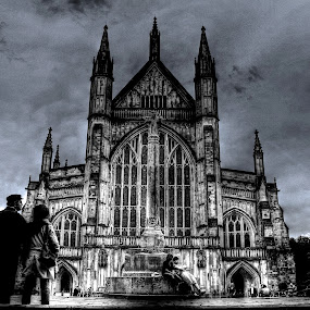 Winchester Cathedral by Luke Aylen - Buildings & Architecture Other Exteriors ( winchester, sky, church, hdr, black and white, couple, cathedral, overcast, people )