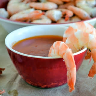 Boiled Shrimp & Spicy Garlic Dipping Sauce.