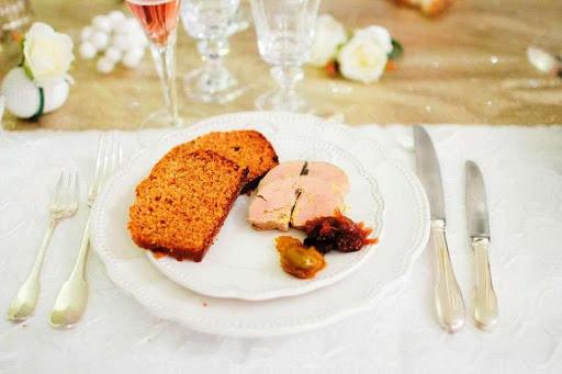 Foie gras au torchon à la table d'hôtes de l'Esclériade