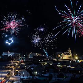 Fireworks by Knut Saglien - Public Holidays New Year's Eve ( modalen, 2018, fyrverkeri, fireworks, nyttår )