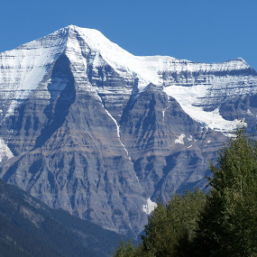 Rare Mount Robson Shot by Sean Leland - Landscapes Mountains & Hills ( clear, rare shot, no clouds, peak, canadian rockies, mount robson, clear sky,  )