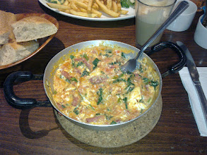 Photo: Mix Menemen at Z Cafe Bar (www.zcafebar.com). Wikipedia: Menemen is a Turkish dish which includes egg, onion, tomato and green peppers (paprika), and spices such as ground black pepper, ground red pepper, salt, oregano, and mint). Turkish meat products such as sucuk (a spicy sausage) or pastırma (thinly sliced dried cured beef) can be also added. The eggs are scrambled. GREAT FOOD :) // Turecké jídlo Menemen v Z Cafe Baru (www.zcafebar.com). Doporučujeme!