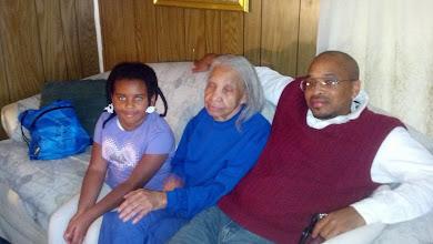 Photo: Kaleya, Mama Frances, Kalonji