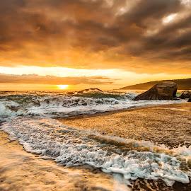 Sunrise in Estaleiro Beach by Rqserra Henrique - Landscapes Beaches ( clouds, brazil, splash, waves, rqserra, beach, sunrise,  )