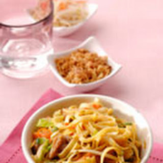 Bami Goreng - kruidige mie met groenten en vlees