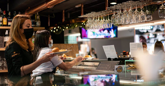 La Junta ingresará 1.000 euros a bares y comercios andaluces en ayudas directas