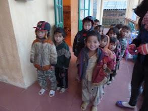 Photo: Các Em  Mầm Non đang đợi phát quần áo cũ Xã A Lù/Huyên Bát Sát/Tỉnh Lào Cai