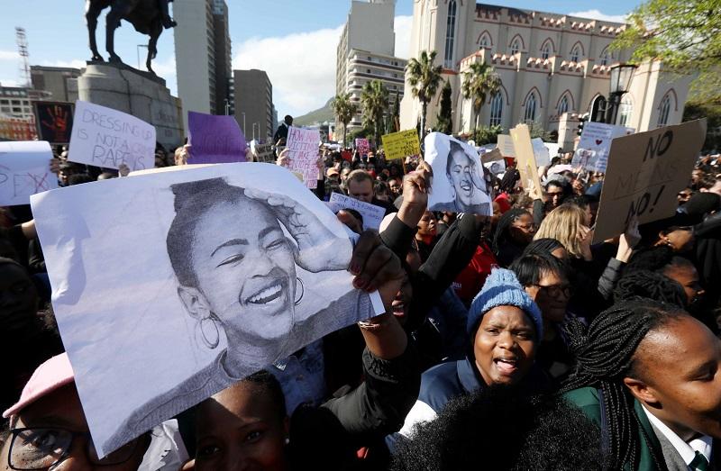 Uyinene se beweerde moordenaar het twee dae na haar verdwyning 'CCTV-beeldmateriaal nagegaan' - SowetanLIVE