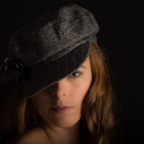 You can leave your hat on by Ton Hoelaars - People Portraits of Women ( studio, woman, portrait, eye, hat )