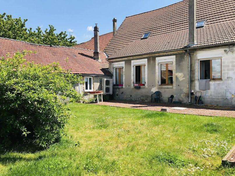 Vente maison 9 pièces 284 m² à Athies-sous-Laon (02840), 194 000 €
