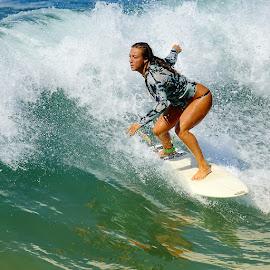 Regarde devant by Gérard CHATENET - Sports & Fitness Surfing (  )