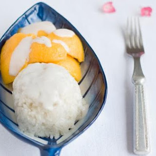 Thai Sweet Coconut Sticky Rice With Fresh Mango
