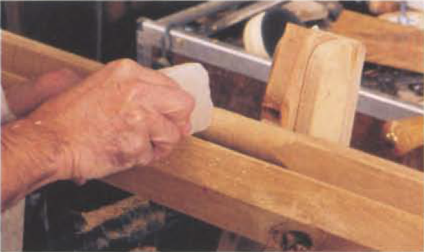 6. Start up the lathe, then apply some paraffin.