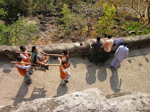 Photo: Pour les très faineants, 600 roupies et le tour et joue.