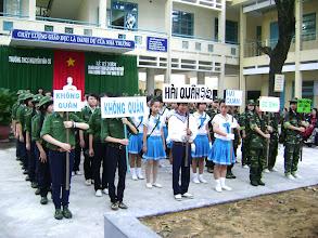 Photo: THCS Nguyễn Văn Cừ - Chào mừng Ngày thành lập QĐND 20-12-2010