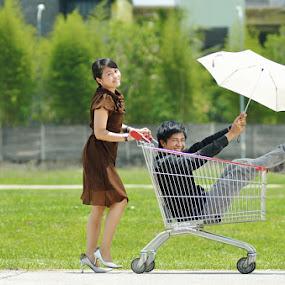 trolly by Fransiskus Adi Candra - People Couples