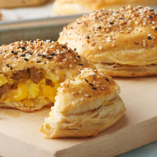 Freezer-Friendly Everything Bagel Biscuit Bombs.