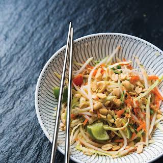 Thai Green Papaya Salad (Som Tum).