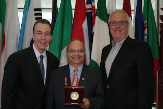 Photo: John Timmerman (ASQ Chairman), Manu Vora, John Knappenberger (ASQ Hutchens Medal Chair)