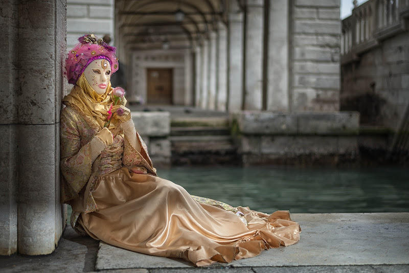 maschera veneziana di Rino Lio