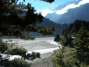 Photo: weiter laufen wir das Kali Gandhaki Tal herab.