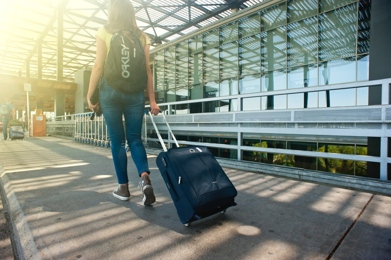 woman saving money while traveling abroad