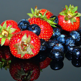 BLACK AND RED by Wojtylak Maria - Food & Drink Fruits & Vegetables ( fruits, healthy, blueberries, juicy, strawberries, food )