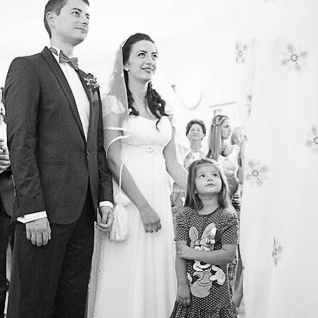 Wedding photographer Tijana Lubura (tijanalubura). Photo of 08.07.2017