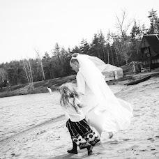 Wedding photographer Yana Shkityr (JaneS). Photo of 10.03.2016