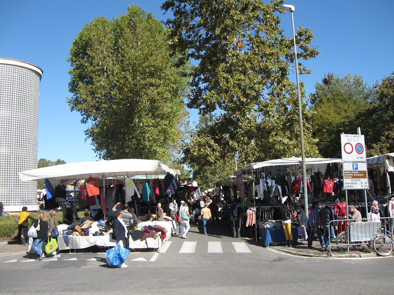 Scene dal mercato di Roccia83