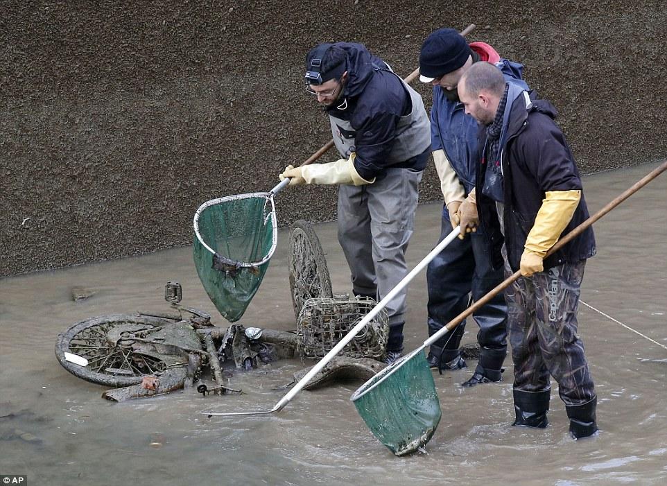 丟棄:聖馬丁運河的清理工作耗費了950萬歐元(700萬英鎊)