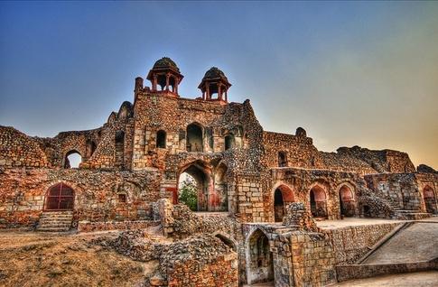best-historical-places-delhi-old-fort_image