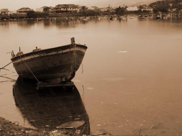 Barca sul lago di Giovanni Coccoli