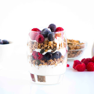 Easy Berry Breakfast Parfait