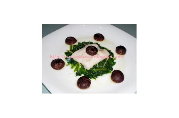 Healthy Steamed Fish with Leafy Spinach Recipe