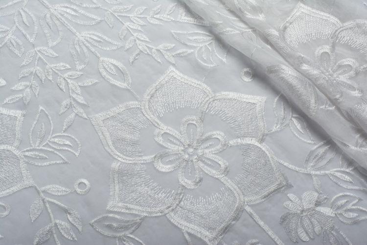 ШЕЛК С ВЫШИВКОЙ Белый Цветы,0754826
