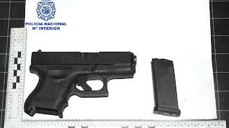 El arma de airsoft intervenida por la Policía Nacional.
